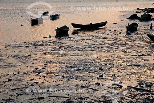 Assunto: Barcos na Praia de Piedade, próximos a APA de Guapimirim - Baía de Guanabara / Local: Magé  -  Rio de Janeiro  -  RJ  -  Brasil  / Data: 10/2010