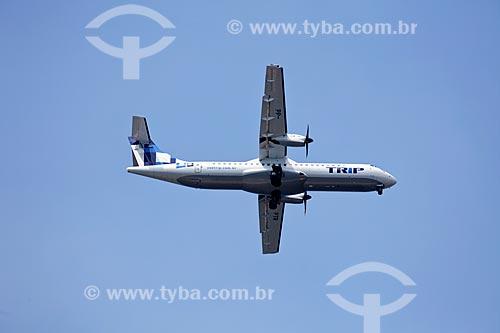 Assunto: Avião da Trip voando com trem de pouso baixado / Local: Rio de Janeiro  -  RJ  -  Brasil  / Data: 02/2011