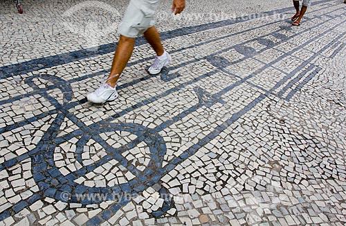 Assunto: Calçada com desenho de nota musical / Local: Vila Isabel - Rio de Janeiro (RJ) - Brasil / Data: 03/2011
