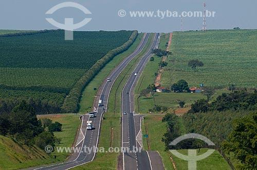 Assunto: Vista da Rodovia Marechal Rondon SP-300 / Local: Cafelândia - São Paulo (SP) - Brasil / Data: 04/2010