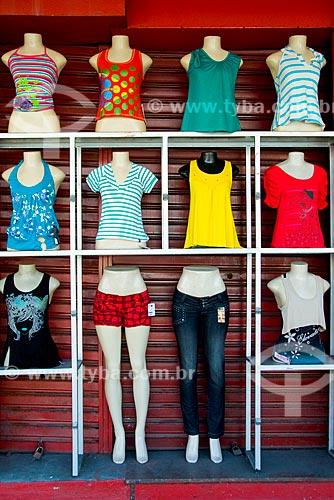 Assunto: Mostruário feminino em frente de uma loja / Local: Manaus - Amazônia (AM) - Brasil / Data: 06/2010
