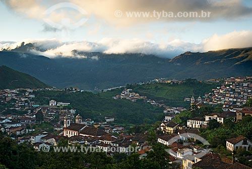 Assunto: Vista panorâmica de Ouro Preto com Pico do Itacolomi ao fundo / Local: Ouro Preto - Minas Gerais (MG) - Brasil / Data: 02/2008