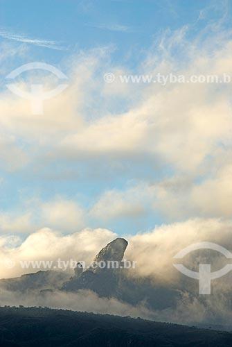 Assunto: Pico do Itacolomi com nuvens / Local: Ouro Preto - Minas Gerais (MG) - Brasil / Data: 02/2008