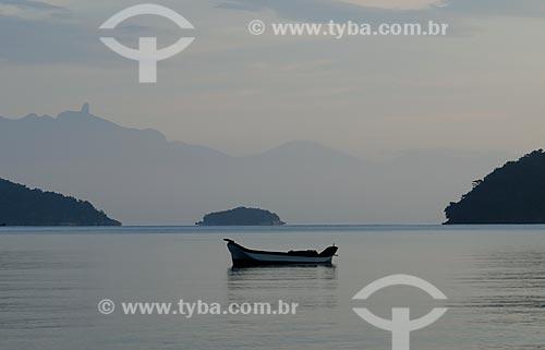 Assunto: Barco no mar em Paraty Mirim / Local: Paraty - Rio de Janeiro (RJ) - Brasil / Data: 03/2008