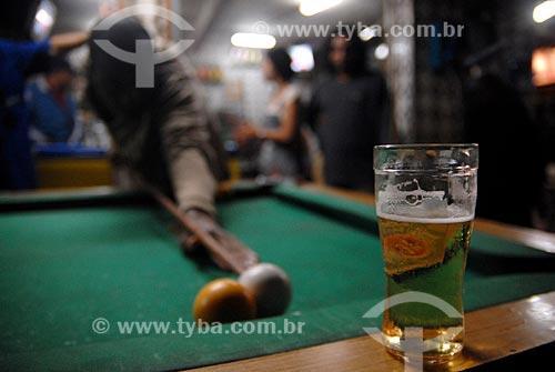 Assunto: Homem jogando sinuca / Local: Parque União - Rio de Janeiro (RJ) - Brasil / Data: 07/2007