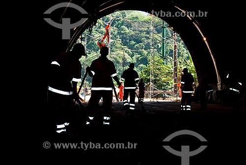 Assunto: Homens limpam Túnel Rebouças após queda de barreira / Local: Rio de Janeiro (RJ) - Brasil / Data: 10/2007