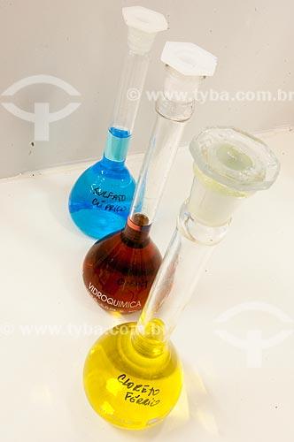 Assunto: Tubos de ensaio em laboratório farmacêutico -  Farmanguinhos - Fundação Oswaldo Cruz / Local: Jacarepaguá - Rio de Janeiro (RJ) - Brasil / Data: 08/2010