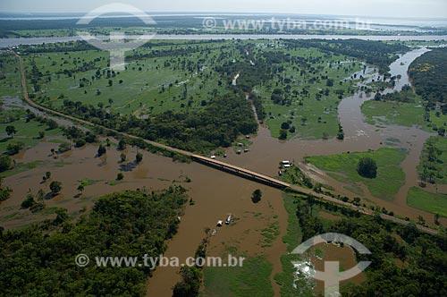 Assunto: Vista aérea da BR-174 próximo à cidade de Careiro da Várzea  / Local: Careiro da Várzea - Amazonas (AM)- Brasil / Data: 06/2007
