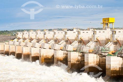 Assunto: Vertedouro da Usina Hidrelétrica de Estreito / Local: Estreito - Maranhão (MA) - Brasil / Data: 20/03/2011
