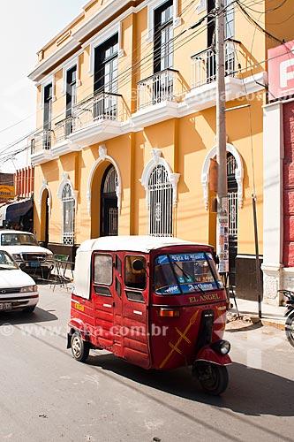 Assunto: Tráfego no centro da cidade / Local: Ica - Departamento de Ica - Peru - América do Sul / Data: 12/05/2011