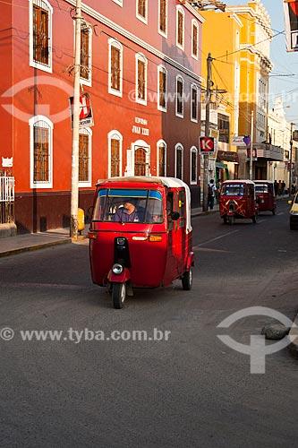 Assunto: Trânsito na Rua Lima (Calle Lima) / Local: Ica - Departamento de Ica - Peru - América do Sul / Data: 14/05/2011