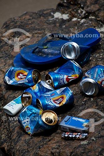 Assunto: Latas de cerveja na Praia da Urca / Local: Urca - Rio de Janeiro (RJ) - Brasil / Data: 02/2011