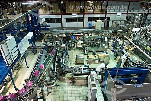 Assunto: Tonéis de fermentação de indústria vinícola no Vale dos Vinhedos  / Local: Bento Gonçalves - Rio Grande do Sul (RS) - Brasil / Data: 02/2009