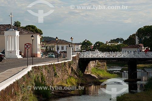 Assunto: Cruz do Anhanguera e ponte de madeira sobre o Rio Vermelho / Local: Goiás - Goiás (GO) - Brasil / Data: 07/2011