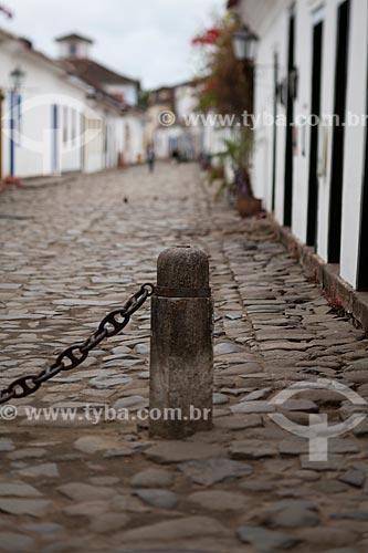 Assunto:  Rua com pavimentação em pedra conhecida como pé de moleque / Local: Paraty  -  Rio de Janeiro  ( RJ )   -  Brasil / Data: