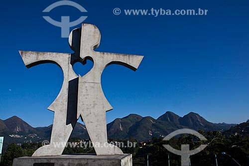Assunto: Praça da Criança - Monumento criado em 2006 em homenagem a Gaudino do Valle Filho autor da lei do Dia das Crianças / Local: Braunes - Nova Friburgo - Rio de Janeiro (RJ) - Brasil / Data: 06/2011
