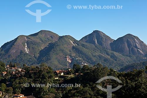 Assunto: Monumento Natural do Caledônia - da esquerda para a direita: Morro do Eco;Morro da Cruz e Duas Pedras  / Local: Nova Friburgo - Rio de Janeiro (RJ) - Brasil / Data: 06/2011