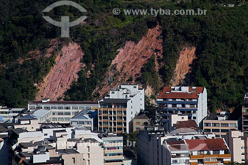 Assunto: Deslizamento de terra causado pela chuva nas encostas das montanhas  / Local: Nova Friburgo - Rio de Janeiro (RJ) - Brasil  / Data: 06/2011