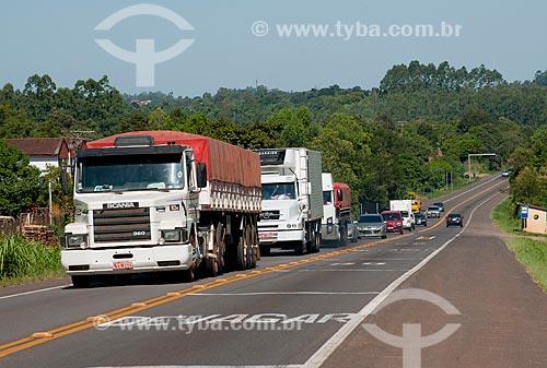 Assunto: Caminhões na rodovia BR-386 / Local: São José do Erval - Rio Grande do Sul (RS) - Brasil / Data: 03/2011