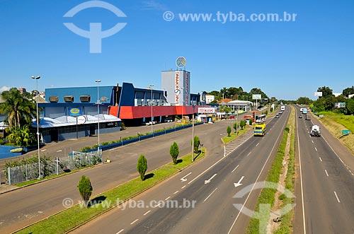 Assunto: Rodovia BR-386 à esquerda o UnicShopping / Local: Lajeado - Rio Grande do Sul (RS) - Brasil / Data: 03/2011