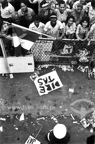 Assunto: Comício das Diretas em frente à Igreja Nossa Senhora da Candelária / Local: Rio de Janeiro (RJ) -  Brasil / Data: 04/1984