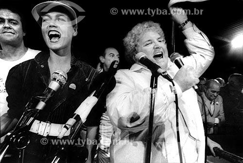 Assunto: Xuxa e Jô Soares no Comício das Diretas com Raul Cortez em frente à Igreja Nossa Senhora da Candelária / Local: Rio de Janeiro (RJ) -  Brasil / Data: 04/1984