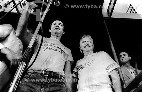 Assunto: Osmar Santos e Hugo Carvana no Comício das Diretas em frente a Igreja de Nossa Senhora da Candelária / Local: Rio de Janeiro (RJ) -  Brasil / Data: 04/1984