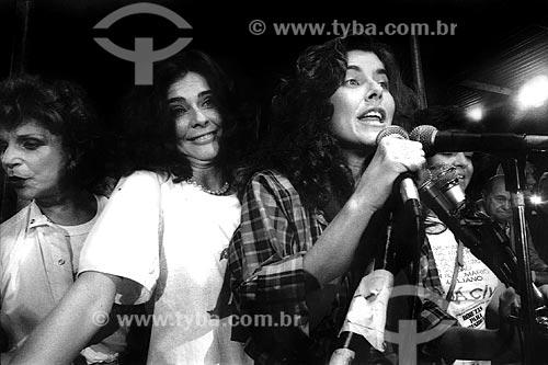 Assunto: Maitê Proença com Maria Cláudia e Tônia Carrero no Comício das Diretas em frente a Igreja de Nossa Senhora da Candelária / Local: Rio de Janeiro (RJ) -  Brasil / Data: 04/1984