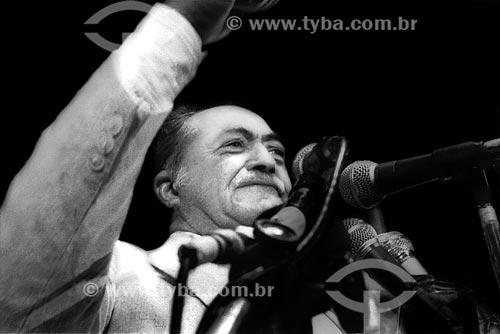 Assunto: Miguel Arraes no Comício das Diretas em frente a Igreja de Nossa Senhora da Candelária / Local: Rio de Janeiro (RJ) -  Brasil / Data: 04/1984
