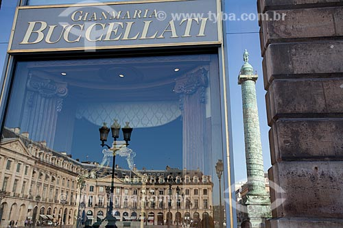 Assunto: Vitrine de loja da Place Vendôme / Local: Paris - França - Europa / Data: 08/2011