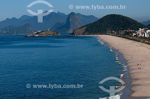 Assunto: Vista aérea da Praia de Piratininga com cidade do Rio de Janeiro ao fundo / Local: Niterói - Rio de Janeiro (RJ) - Brasil / Data: 08/2009