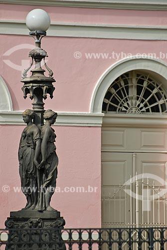 Assunto: Detalhe poste do Teatro Santa Isabel / Local: Recife - Pernambuco (PE) - Brasil / Data: 09/2011