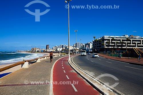 Assunto: Ciclovia e calçada na Avenida Otávio Mangabeira / Local: Pituba - Salvador - Bahia (BA) - Brasil / Data: 07/2011