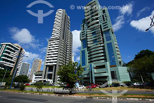 Assunto: Edifícios residenciais e comerciais na Avenida Professor Magalhães Neto / Local: Pituba - Salvador - Bahia (BA) - Brasil / Data: 07/2011