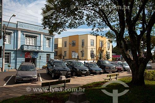 Assunto: Prefeitura Municipal de Vacaria na Rua Marechal Deodoro (prédio amarelo)  / Local: Vacaria - Rio Grande do Sul (RS) - Brasil / Data: 04/2011