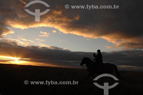 Assunto: Gaúcho à cavalo nos Pampas - Fronteira do Brasil com Argentina / Local: Uruguaiana - Rio Grande do Sul (RS) - Brasil / Data: 08/2010