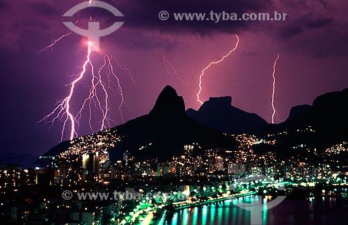 Assunto: Tempestade com relâmpagos / Local: Rio de Janeiro (RJ) - Brasil / Data: 1996