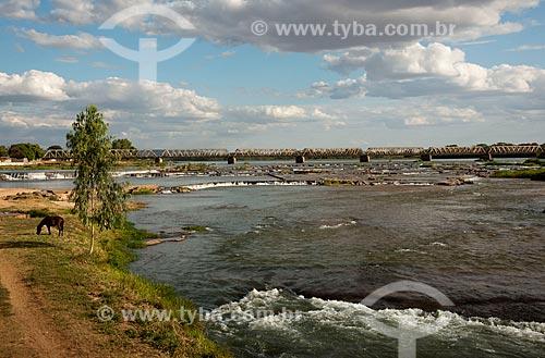 Assunto: Ponte metálica ferroviária Marechal Hermes sobre o Rio São Francisco / Local: Pirapora - Minas Gerais (MG) - Brasil / Data: 09/2011