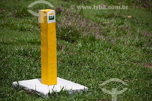 Assunto: Marco sinalizador de presença de gasoduto da Petrobras  / Local: Brumadinho - Minas Gerais (MG) - Brasil / Data: 11/2011