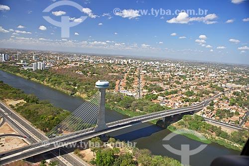 Assunto: Vista da Ponte Estaiada Mestre Isidoro França / Local: Teresina - Piauí (PI) - Brasil / Data: 04/2010