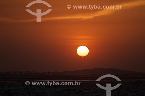 Assunto: Vista do pôr do sol na Praia Pedra do Sal / Local: Parnaíba - Piauí (PI) - Brasil / Data: 11/2010