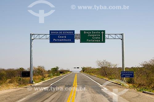 Assunto: Rodovia Santos Dumont BR-116 na divisa dos Estados de Pernambuco e Ceará / Local: Verdejante - Pernambuco (PE) - Brasil / Data: 10/2011