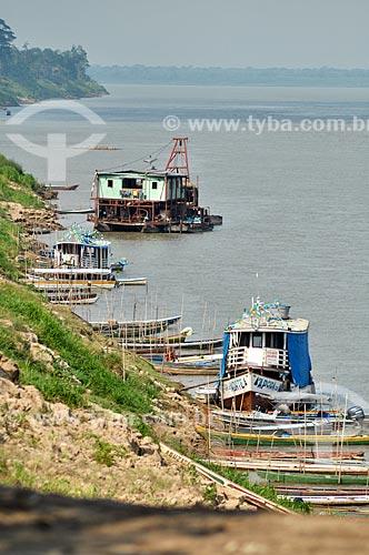 Assunto: Barcos na beira do Rio Madeira / Local: Distrito de São Carlos do Jamari - Porto Velho - Rondônia (RO) - Brasil / Data: 10/2010