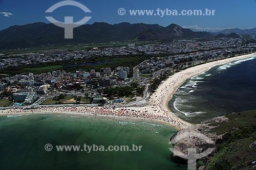 Assunto: Vista da Praia do Recreio e da Praia do Pontal com Pedra do Pontal em primeiro plano / Local: Recreio dos Bandeirantes - Rio de Janeiro (RJ) - Brasil / Data: 01/2012