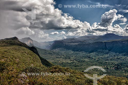 Assunto: Chuva entrando no Vale do Capão / Local: Palmeiras - Bahia (BA) - Brasil / Data: 01/2012