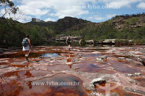 Assunto: Turistas no Rio Piaba no caminho para a Cachoeira Três Barras / Local: Andaraí - Bahia (BA) - Brasil / Data: 01/2012