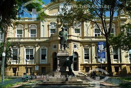 Assunto: Monumento ao Barão do Rio Branco e Memorial do Rio Grande do Sul - Antigo prédio dos Correios e Telégrafos / Local: Porto Alegre - Rio Grande do Sul (RS) - Brasil / Data: 12/2011
