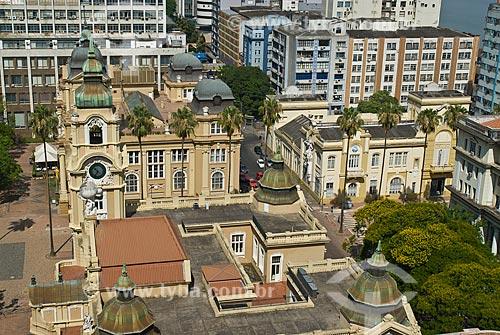 Assunto: Vista aérea em primeiro plano do Memorial do Rio Grande do Sul - antigo prédio dos Correios e Telegráfos e ao fundo o Museu de Arte do Rio Grande do Sul / Local: Porto Alegre - Rio Grande do Sul (RS) - Brasil / Data: 12/2011