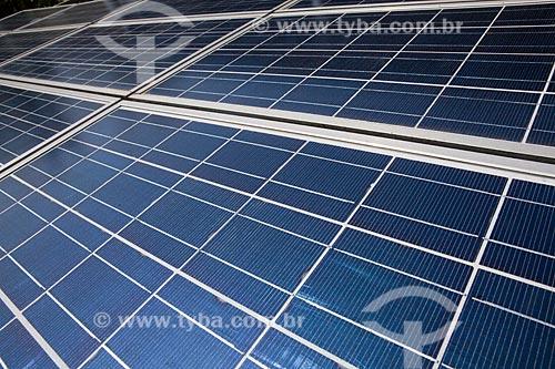 Placas Fotovoltaicas para captação de energia solar no IEE (Instituto de Eletrotécnica e Energia) da USP - Programa para o desenvolvimento das aplicações da energia solar fotovoltaica  - São Paulo - São Paulo - Brasil