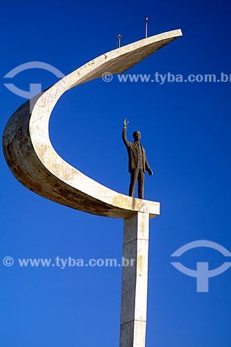 Assunto: Estátua do Memorial de JK / Local: Brasília - Distrito Federal (DF) - Brasil / Data: 04/2008